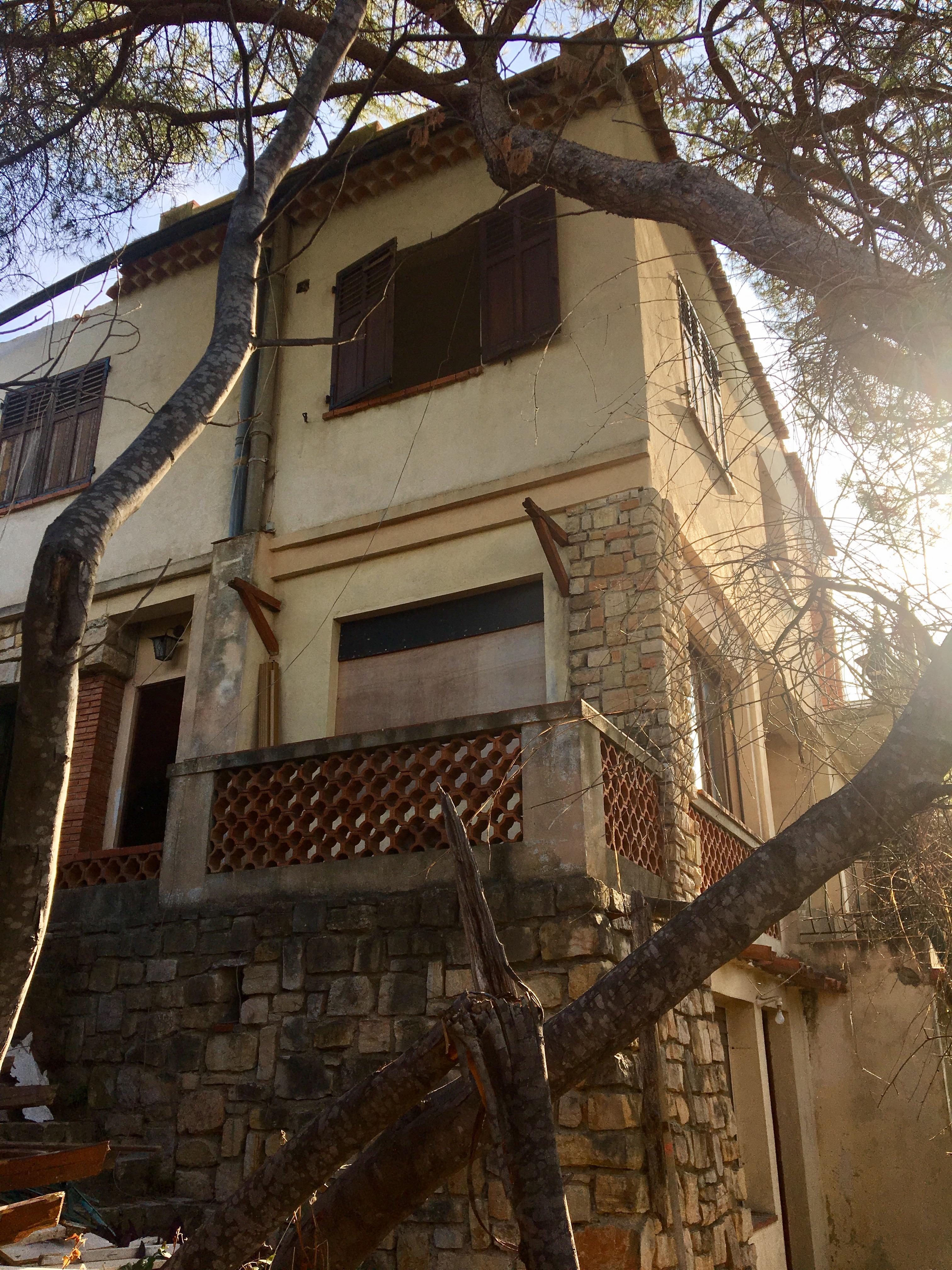 LA CROIX DES GARDES - Rénovation complète d'une ancienne villa avec ajout d'un étage - Septembre 2017 à Mai 2018