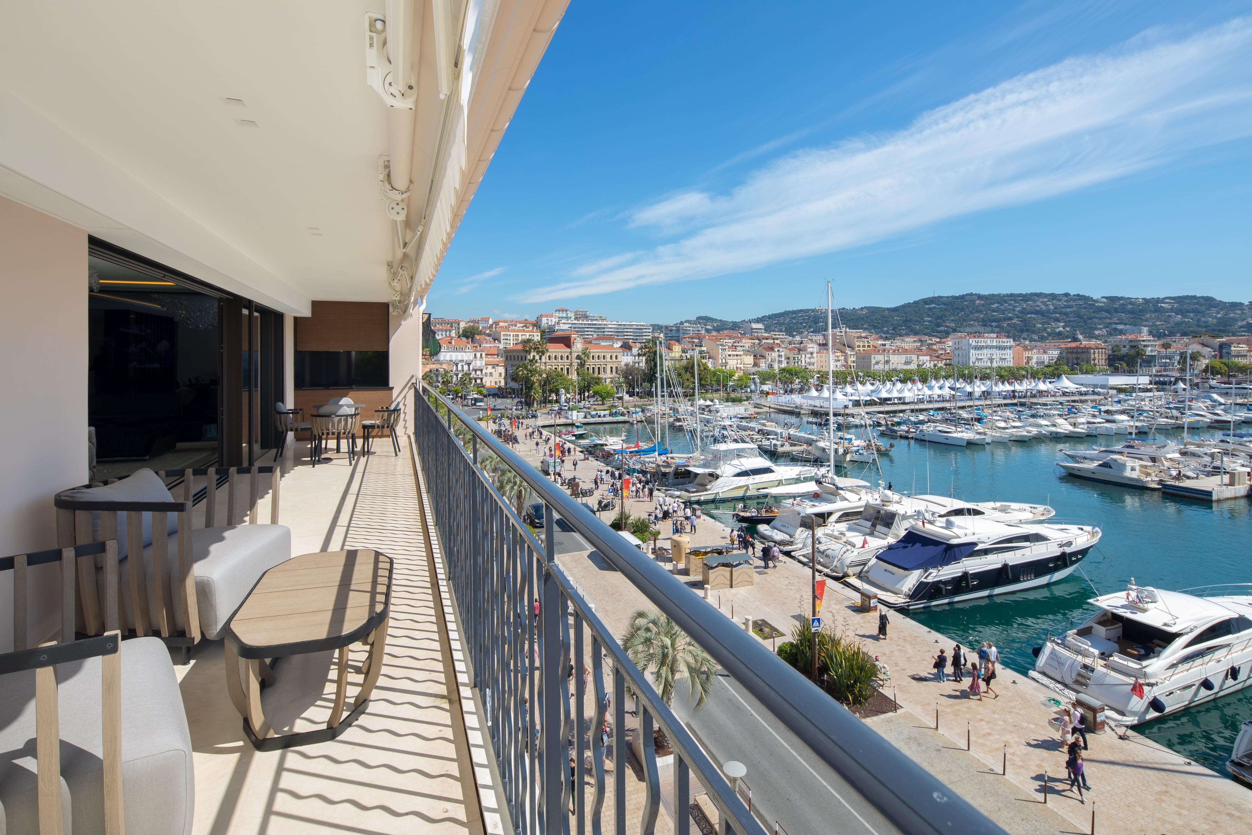 Quai St Pierre – Cannes1